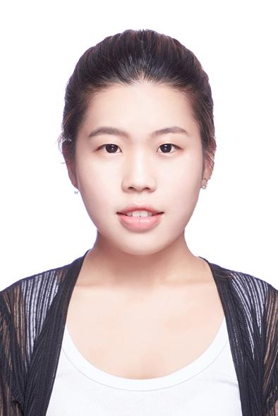 邵怡在微信朋友圈里晒出了自己近期刚拍摄好的证件照,照片中的她漂亮